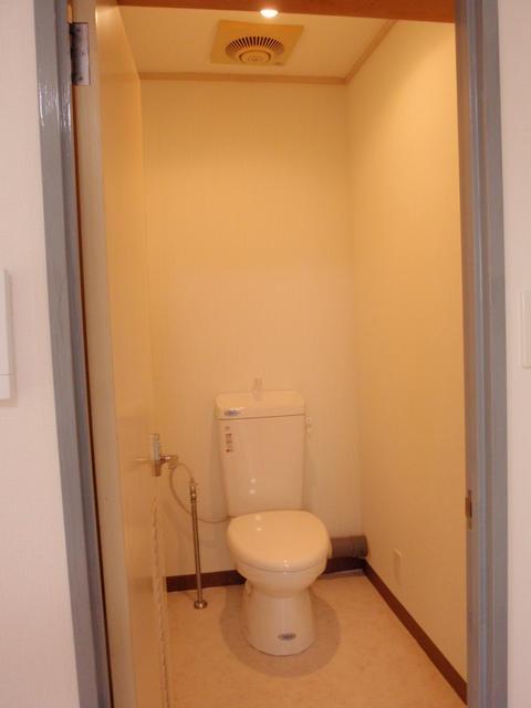 005トイレ